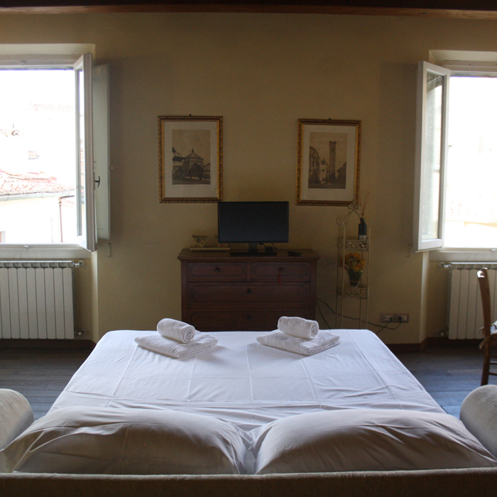 aroomwithaview_rental_apartments_in_florence_gallery_6
