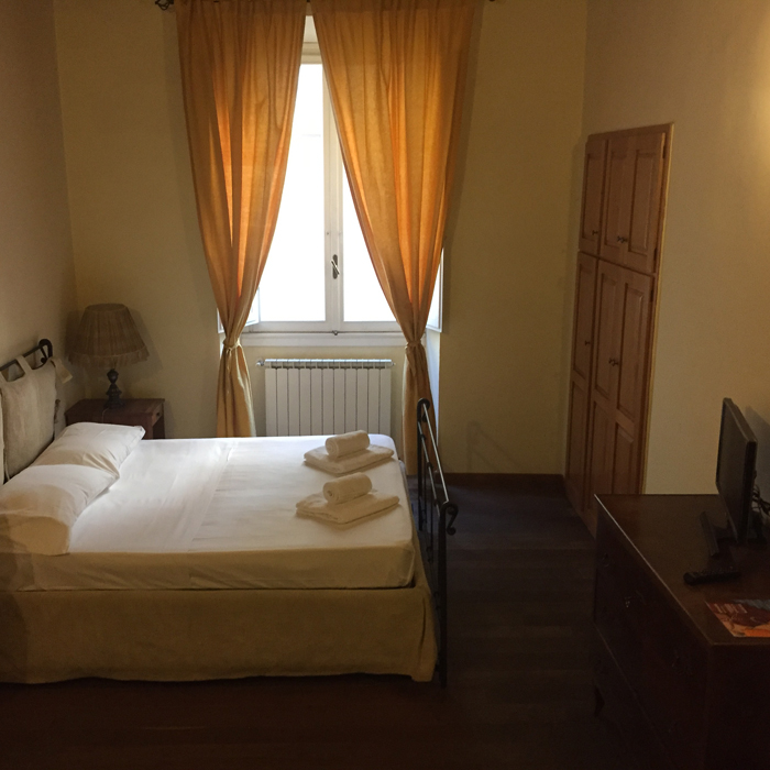 aroomwithaview_rental_apartments_in_florence_gallery_4
